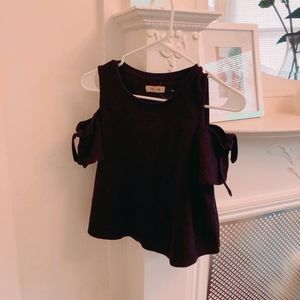 Cute cold shoulder Madewell top